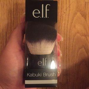 Elf kabuki brush